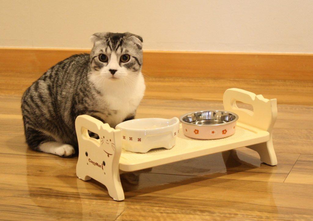Еще один признак премиум сегмента - развитая система линеек для котов с разными особенностями пищеварения