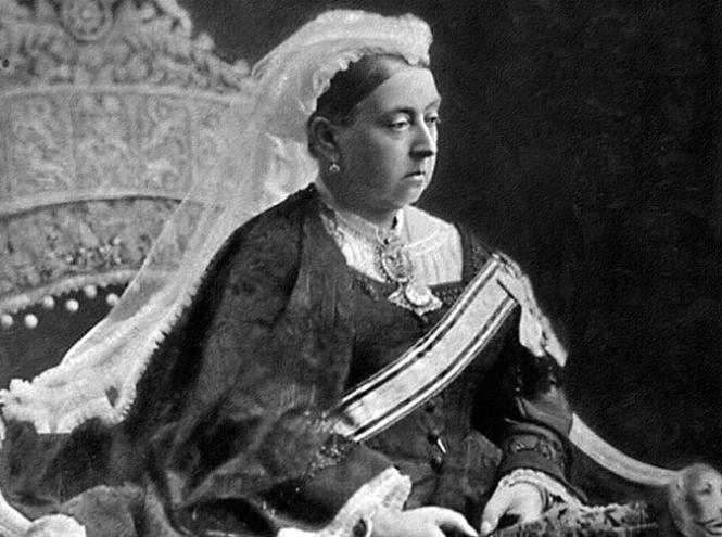 Королева Виктория ввела шпицев в круг привилегированных английских собак, посвятив им клуб