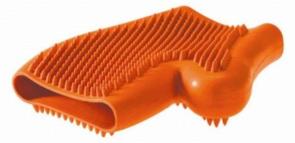 Резиновая перчатка для вычёсывания бассета