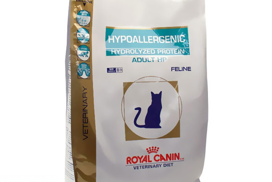 Больным кошкам требуется специальный гипоаллергенный корм