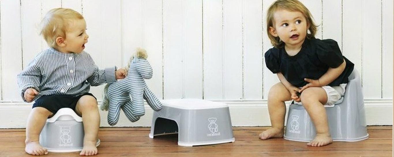 За ребенком необходимо сразу убирать горшок