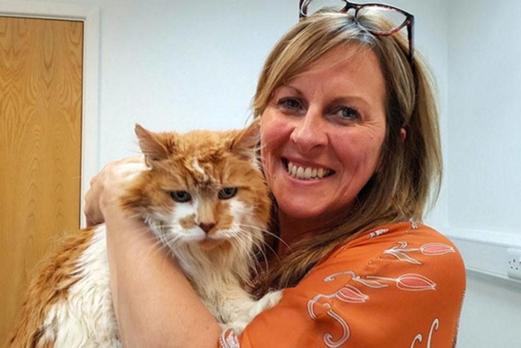 Кошка Rubble, отметившая тридцатый день рождения, продолжает жить полноценной кошачьей жизнью