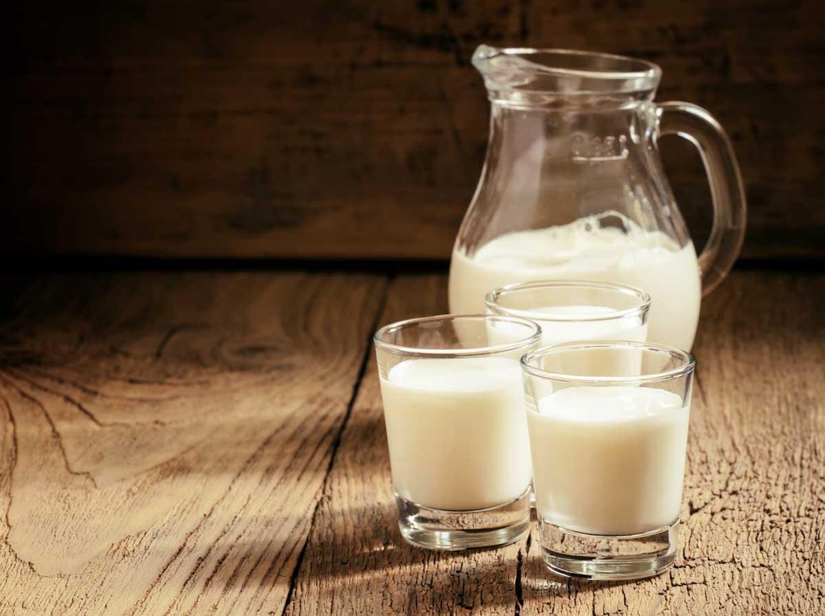 Молоко лучше не включать в рацион