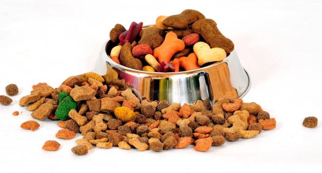 Опытные заводчики чаще предпочитают готовые корма