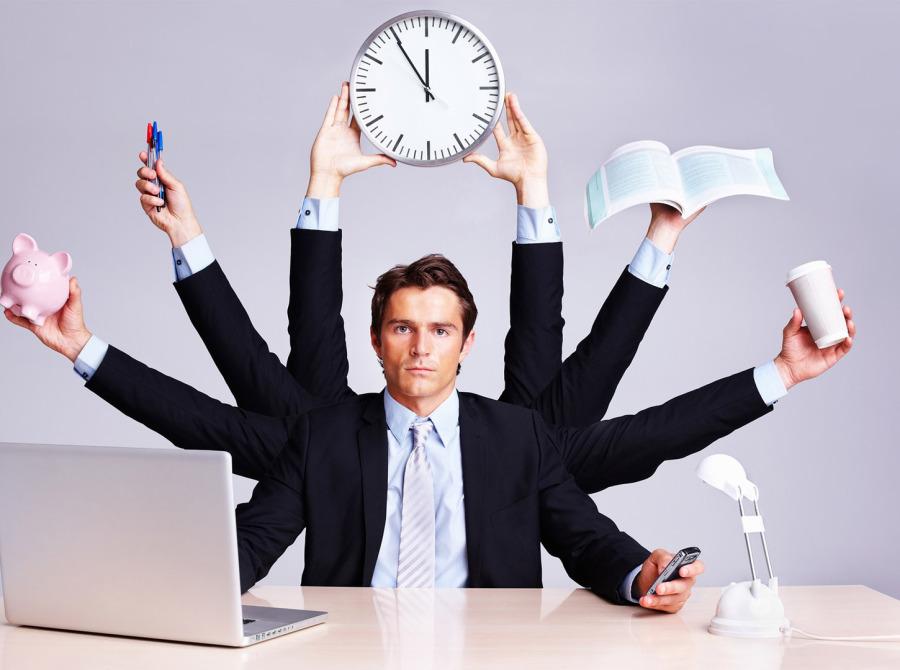 Уход с головой в работу не является хорошим решением, поскольку от своих эмоций убежать не получиться