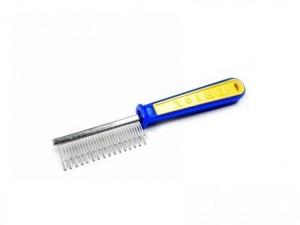 С короткими зубчиками и пластиковой ручкой