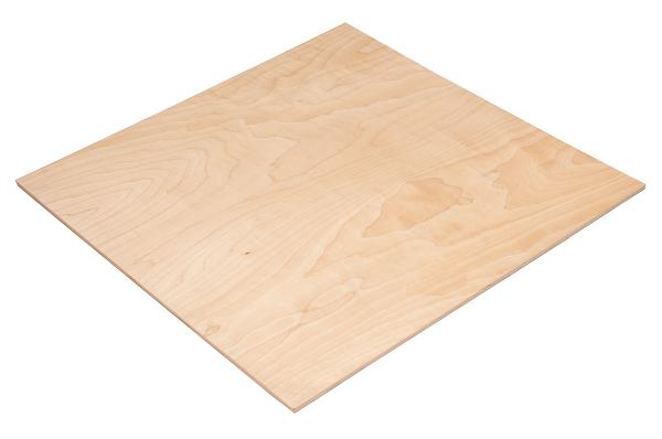 Чтобы сделать кормушку, вам понадобится лист фанеры в качестве основы и пластиковые емкости