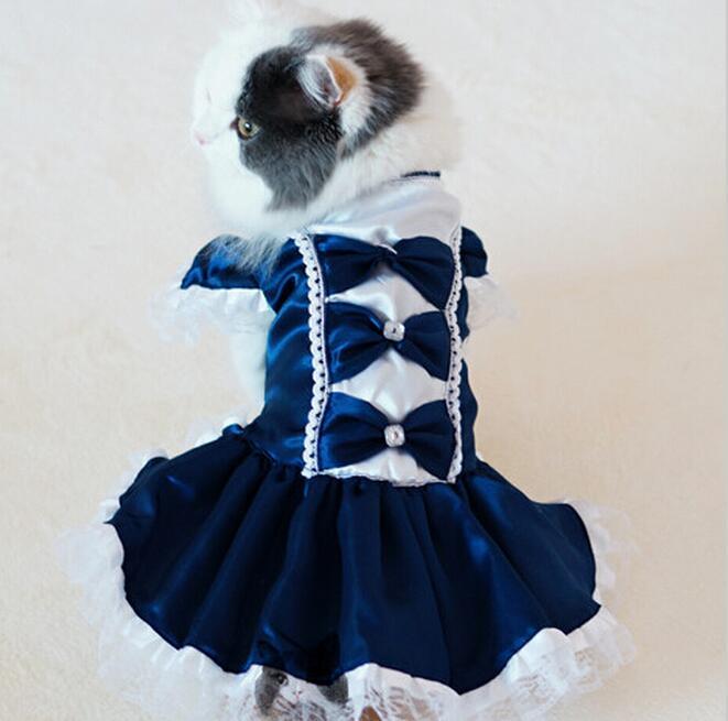 Платье с кружевом для кошек