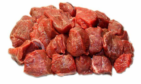 Мясо — обязательный продукт в рационе собаки