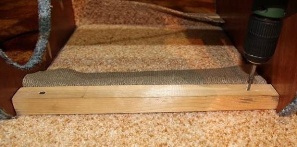 Саморезы, которые вы выбираете для крепления каркаса, должны быть достаточной длины. При условии, что их нет, могут подойти также гвозди